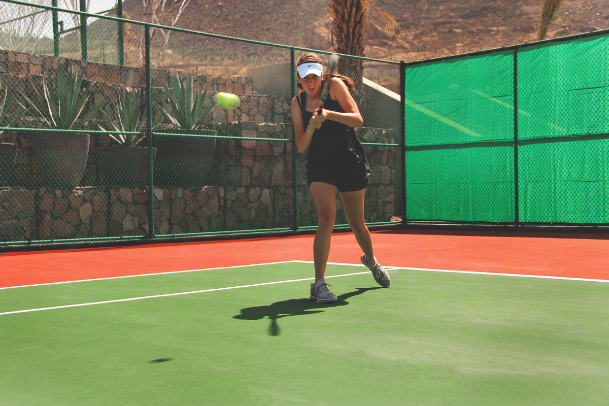 play tennis at La Paz